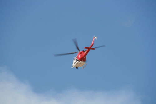 Porter Ranch Fire - LAFD Water Dropping Helicopter over Chatsworth