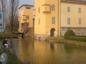 Castle_of_torre_picenardi_1